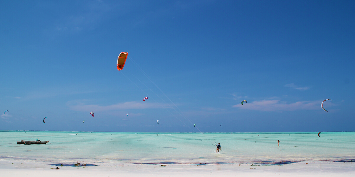 If kitesurfing is your thing, keep reading and learn about the best months and 3 top spots where to practice it in Zanzibar